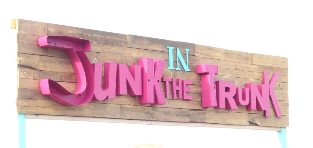 Junk in the Trunk Vintage Market – My Tips & Pics